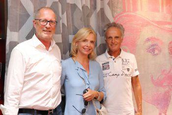 """<p class=""""caption"""">Werner und Beatrix Kurz mit Ernst Schwarzhans.</p>"""