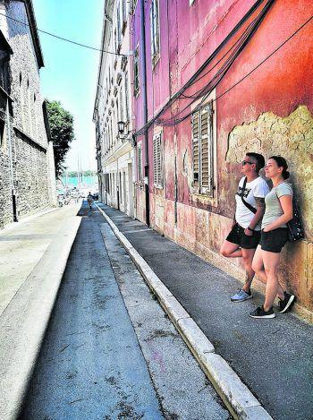 """<p class=""""caption"""">Andreja und ihre Freundin in Kroatien. Fotos: Privat</p>"""