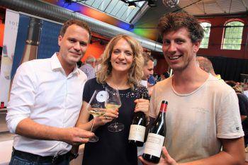 Christian Steurer mit den Winzern Claudia Alphart und Tom Lehner.