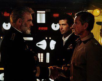 """<p class=""""title"""">Sean Connery</p><p>In """"Jagd auf Roter Oktober"""" spielt Sean Connery einen sowjetischen Kapitän zur See, der mit seinem U-Boot in die USA überlaufen möchte.</p>"""