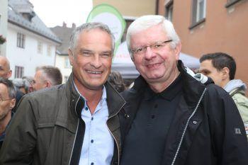 "<p class=""caption"">Vizebürgermeister Mario Leiter und Pfarrer Pater Adrian.</p><p class=""caption"" />"