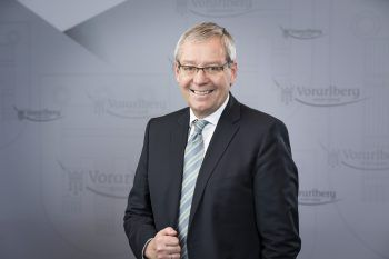 """""""Ziel ist, niemanden in Vorarlberg zurückzulassen"""", erklärte Karlheinz Rüdisser."""