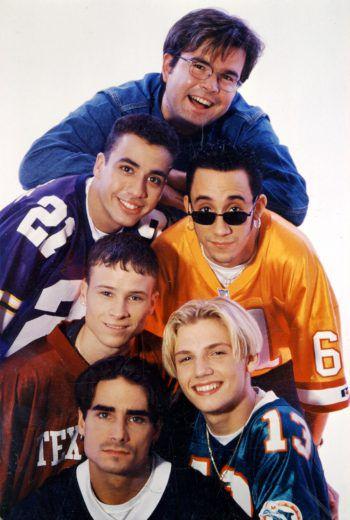 """<p class=""""caption"""">Der Beginn einer wunderbaren Karriere: Reinhard Mätzler mit den Backstreet Boys.</p>"""