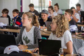 Die angehenden Webentwickler von morgen: Die 30 Jugendlichen erlernten im Sommercamp bei Russmedia einiges über Programmiersprache.Fotos: Lerch