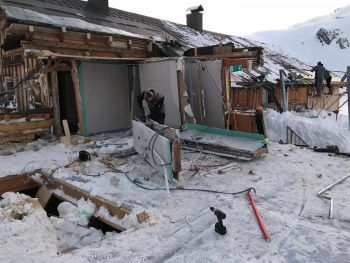 Die Staublawine zerstörte die beliebte Hütte fast vollständig.Foto: Alpenverein Vorarlberg