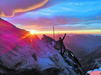 """<p class=""""caption"""">Evelyn im Urlaub in den Alpen auf dem Weg zum Großglockner.</p>"""