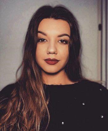 """Tamara, 18, Bregenz: """"Ich verfolge TV-Sendungen, wie 'Love Island' nicht, weil mich Dating-Reality-Shows noch nie angezogen haben. Die Art und Weise, wie diese Sendungen ablaufen, sind meiner Meinung nach unnatürlich. Weiters denke ich, dass vielen Zuschauern nicht klar ist, dass es in solchen Shows nicht um die Liebe, sondern hauptsächlich ums Geld geht."""""""