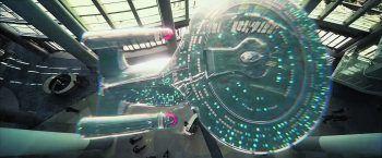 """Die legendäre USS Enterprise NCC-1701 D bleibt auch in Amazons neuer Sci-Fi-Serie """"Star Trek: Picard"""" unvergessen. Bilder: CBS/Prime Video, CBS/Netflix"""