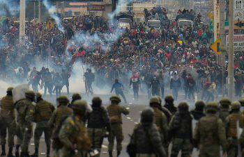 <p>Quito. Eskaliert: Bei Protesten gegen die von Ecuadors Präsident Lenín Moreno angekündigten wirtschaftlichen Reformen kommt es seit Tagen zu Ausschreitungen.</p>