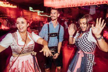 Voll in Action: Katja, Flavio und Kimberly zeigten auf der Tanzfläche ihre Moves – die Stimmung war genial!