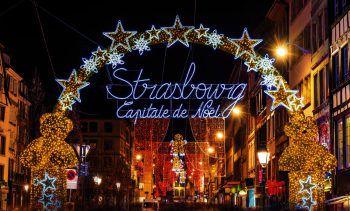 """<p class=""""caption"""">Der Marché de Noël gilt als einer der ältesten Weihnachtsmärkte Europas. Foto: AdobeStock_Leonid Andronov</p>"""