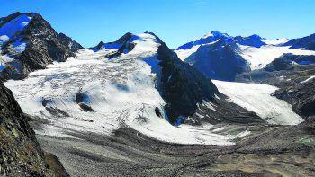 Die Projektbetreiber dementieren, dass der Gipfel des Linken Fernerkogel (Bild) gesprengt werden soll. Dies sei eine bewusste Falschmeldung der Projektgegner. Foto: APA