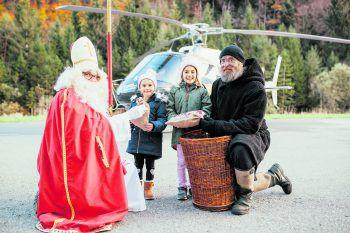 Eine Runde mit dem Heli fliegen und dabei auch noch Gutes tun: Mit der Wucher Nikolaus-Aktion werden die WANN & WO-Patenkinder unterstützt. Foto: Sams
