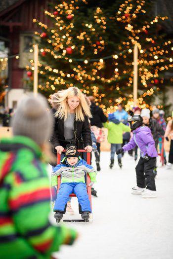 """<p class=""""caption"""">Ganz viel Spaß: Der Eislaufplatz ist bei den Kindern sehr beliebt.</p>"""