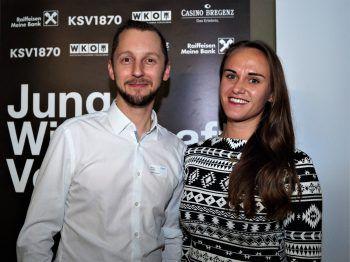 """<p class=""""caption"""">Harald Tement (Casinos Austria) und Manuela Strang (Uniqa).</p>"""