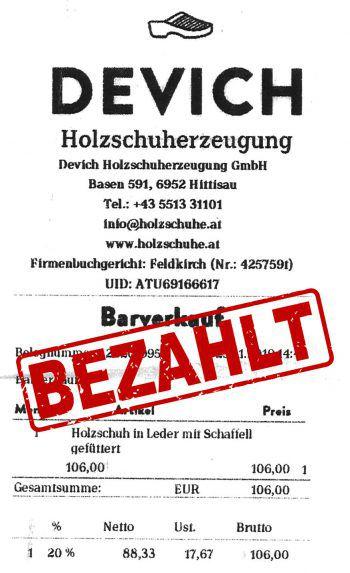 "<p class=""caption"">106 Euro: Margot Geiger hat Devich-Holzschuhe gekauft.</p>"