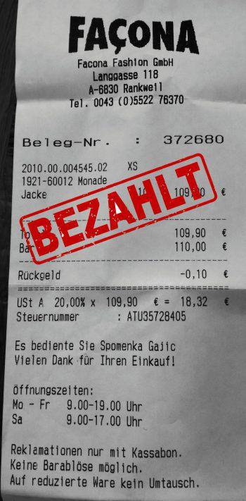"""<p class=""""caption"""">109,90 Euro: Birgit Summer hat sich eine Winterjacke gekauft.</p>"""