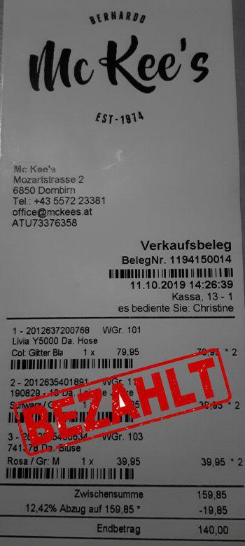 """<p class=""""caption"""">140 Euro: Sabine Kosel war in der Dornbirner Innenstadt shoppen.</p>"""
