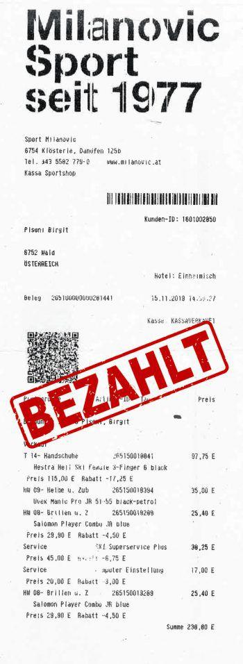"""<p class=""""caption"""">238,80 Euro: Birgit Pisoni hat für sich und ihre Jungs eine Skiausrüstung gekauft.</p>"""