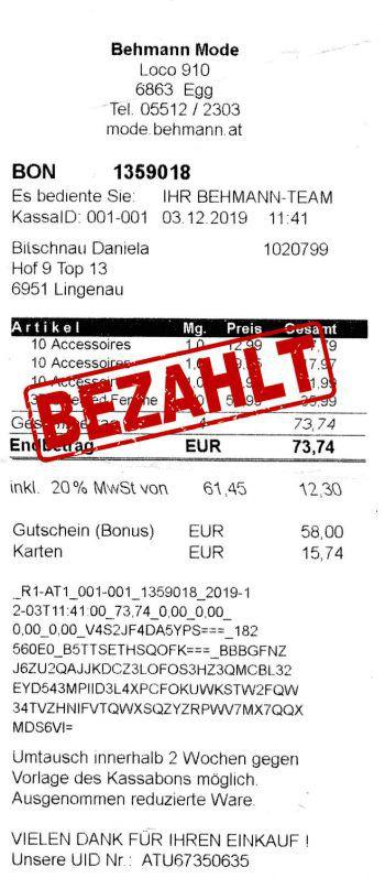 "<p class=""caption"">73,74 Euro: Daniela Bitschnau aus Lingenau war bei Behmann Mode shoppen.</p>"