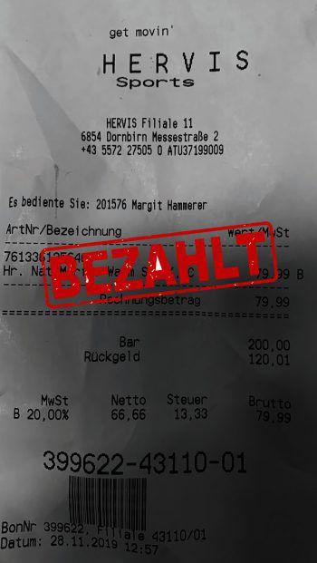 """<p class=""""caption"""">79,99 Euro: Mira Erath hat bei Hervis eingekauft.</p>"""