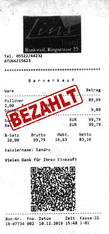 """<p class=""""caption"""">99,79 Euro: Berta Rheinberger hat einen warmen Pullover gekauft.</p>"""