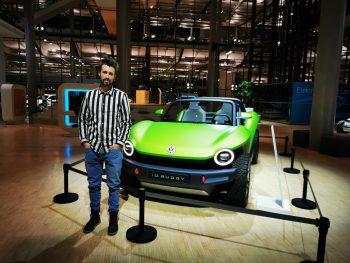 <p>Ausflug: Timo in der Gläsernen Manufaktur von Volkswagen.</p>