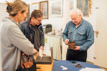 Bei der zweiten Auflage des #schätzeschätzen vom Kunst- und Kulturverein Bodensee und WANN & WO wurden wieder allerhand Raritäten kostenlos bewertet.Fotos: Sams