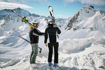 Bei Panto Outdoor warten jetzt zahlreiche reduzierte Artikel darauf, ergattert zu werden – auch Skibekleidung! Fotos: handout/Panto Outdoor