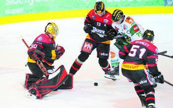 Beim Derby der VEU Feldkirch gegen den EHC Lustenau am 2. Jänner soll der AHL-Zuschauerrekord fallen – Tickets gewinnen!Foto: Hartinger