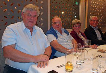 Bgm. Mandi Katzenmayer mit Bertram und Vroni Bolter sowie Giesbert Poiger.
