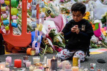 <p>Christchurch. Terror: Bei einem Anschlag auf zwei Moscheen erschießt ein 28-jähriger, australischer Rechtsextremist 51 Menschen. Die ganze Welt trauert.</p>