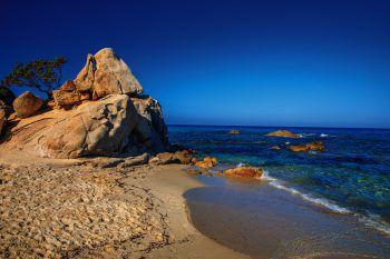 "<p class=""caption"">Das Meer bietet Farben, wie sonst nirgendwo in Europa.</p>"