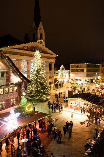 Der Christkindlemarkt zieht jedes Jahr zahlreiche Besucher in die Messestadt.