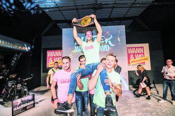 """<p class=""""caption"""">Der neue Mister WANN & WO: Rico aus Hohenems konnte die Jury mit seinem Auftritt überzeugen und wurde nach der Wahl ordentlich gefeiert.Fotos: Sams</p>"""