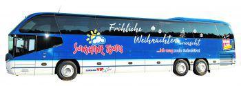 Der Nikolaus kommt bei Sunshine Tours nicht zu Fuß, sondern mit dem modernen VIP-Bus. Foto: handout/Sunshine Tours