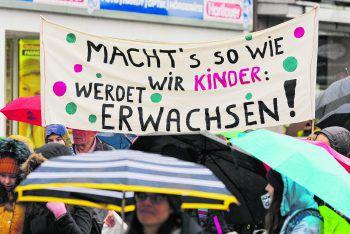 """<p class=""""caption"""">Die Klimaproteste sind nicht der alleinige Grund, wohl aber der Auslöser für den aktuellen Generationenkonflikt. Foto: Stiplovsek</p>"""