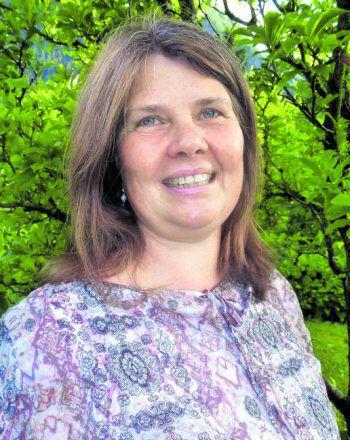 "<p class=""caption"">Dr. Kirsten Habedank</p>"