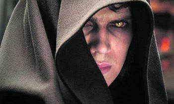 <p>Ep. III – Die Rache der Sith (2005). Anakin Skywalkers Wandel zu Darth Vader schloss die 2000er-Trilogie verhältnismäßig befriedigend ab.</p>