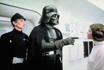 """<p>Ep. IV – Eine neue Hoffnung (1977). Der Ur-""""Krieg der Sterne"""" setzte neue Maßstäbe und ist ein Klassiker, den man gesehen haben muss.</p>"""