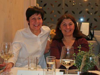 "<p class=""caption"">Evi Groehenig und Helga Luger.</p>"