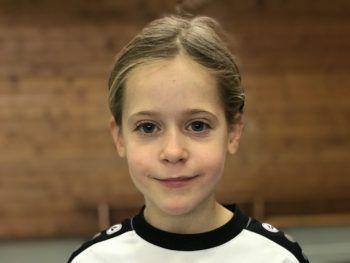 """Franziska, 7, 2b: """"Das Training hat mit sehr großen Spaß gemacht. Am besten hat mir aber das Match gefallen, vor allem als ich als Torfrau einen Ball mit dem Fuß abgewehrt habe."""""""