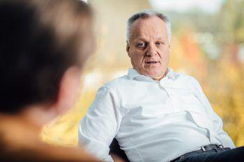 """<p>""""Gemeinwohlbilanz statt Gewinnmaximierung. Und ein Umgang auf Augenhöhe, egal</p><p>mit wem.""""</p><p /><p>Altach-Vize-Präsident und Handelsunternehmer Werner Gunz</p>"""