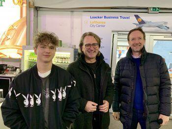 """<p class=""""caption"""">Günther Komatz mit Sohn Benni und Thomas Klas beim letzten Heimspiel der Saison.</p><p class=""""caption"""" />"""