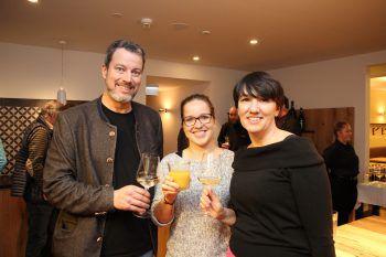 """<p class=""""caption"""">Hannes Durnwalder, Stephanie Schaupp und Kerstin Biedermann-Smith.</p><p class=""""caption"""" />"""