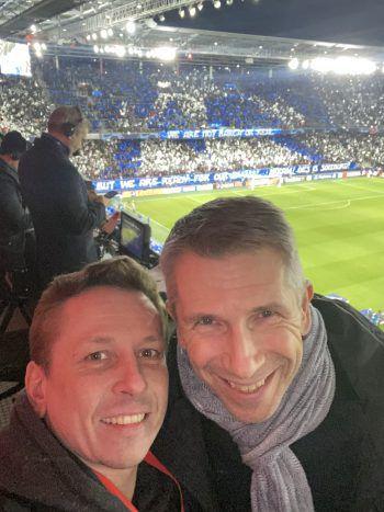 "<p class=""caption"">Im Kommentatoren-Bereich traf WANN & WO Servus TV-Sportchef Christian Nehiba.</p>"
