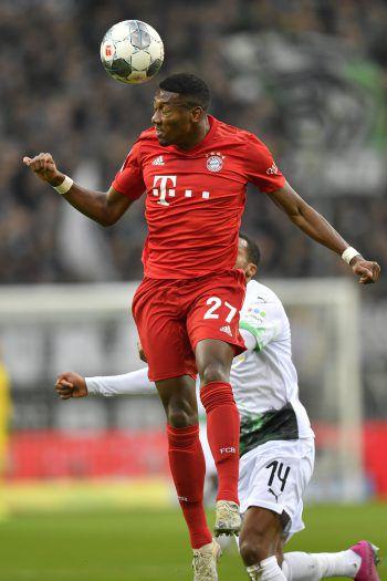 Im Spitzenspiel besiegte Borussia Mönchengladbach den FC Bayern und David Alaba mit 2:1. Foto: AP