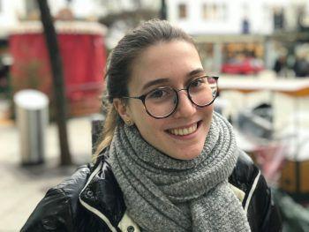 """<p>Jana, 18, Dornbirn: """"In den Ferien muss ich leider auf viele verschiedene Prüfungen lernen. Ansonsten würde ich gerne mit Freunden Skifahren gehen. Die Weihnachtsfeiertage verbringe ich immer mit der Familie.""""</p>"""