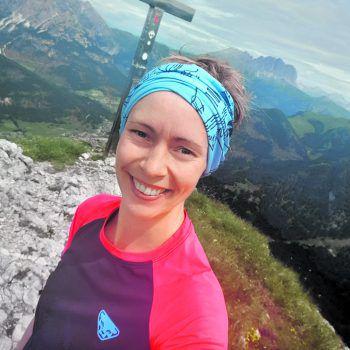 <p>                            </p><p>Jasmin Hölle – Kandidatin 1</p><p>Alter: 32 JahreWohnort:Albstadt (Deutschland)Ausbildung:IndustriekauffrauHobbys:Fitness und Wandern</p>