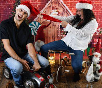 """<p class=""""caption"""">Kevin und Jasmine beim etwas anderen Weihnachtsshooting.</p>"""